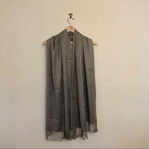 Satiny silver/gray scarf